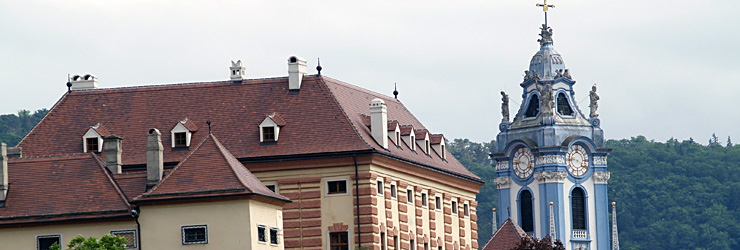 Schlosshotel mit der Stiftskirche Dürnstein